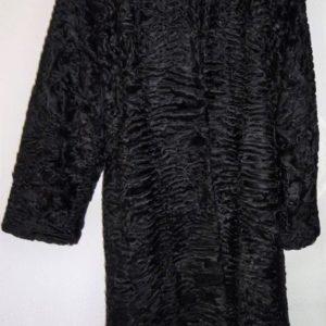 Manteau de fourrure, Astrakan noir