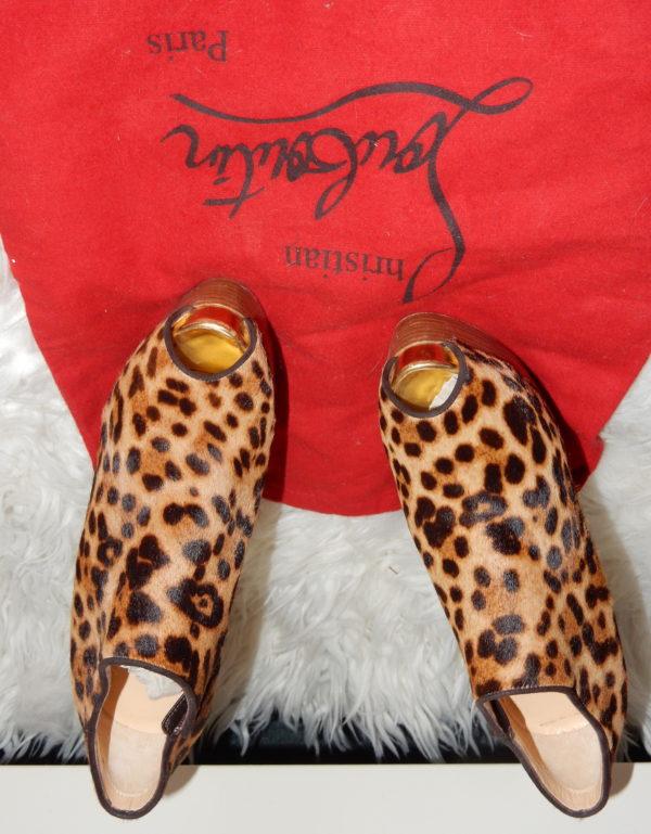 Boots open toe en veau façon poulain Christian Louboutin